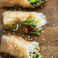 Roasted Green Bean Summer Rolls | http://naturallyella.com
