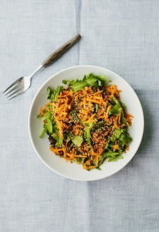 Ginger Carrot Salad with Quinoa | http://naturallyella.com