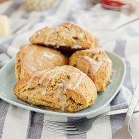 "Pumpkin ""Cinnamon Roll"" Scones"