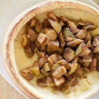 Whole Wheat Dutch Baby Pancake with Cinnamon Apples