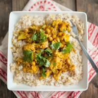 Chickpea Curry with Cauliflower