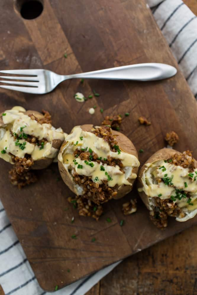 Cheesy BBQ Crumble Vegetarian Loaded Potatoes | Naturally Ella