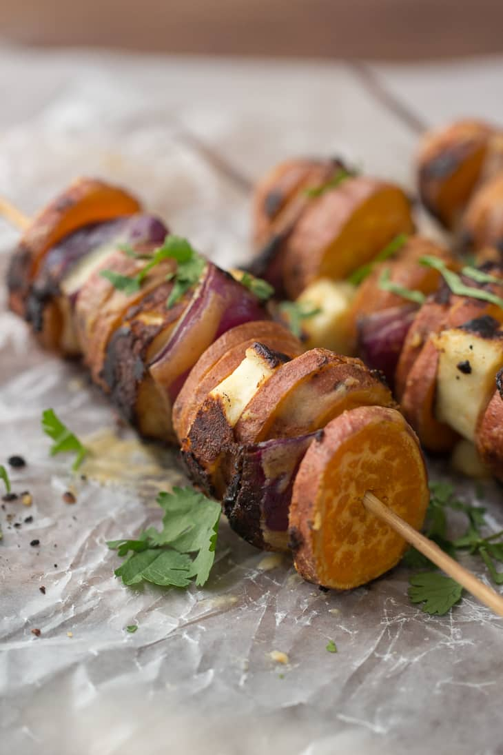 Grilled Sriracha-Tahini Sweet Potato Halloumi Skewers  | @naturallyella