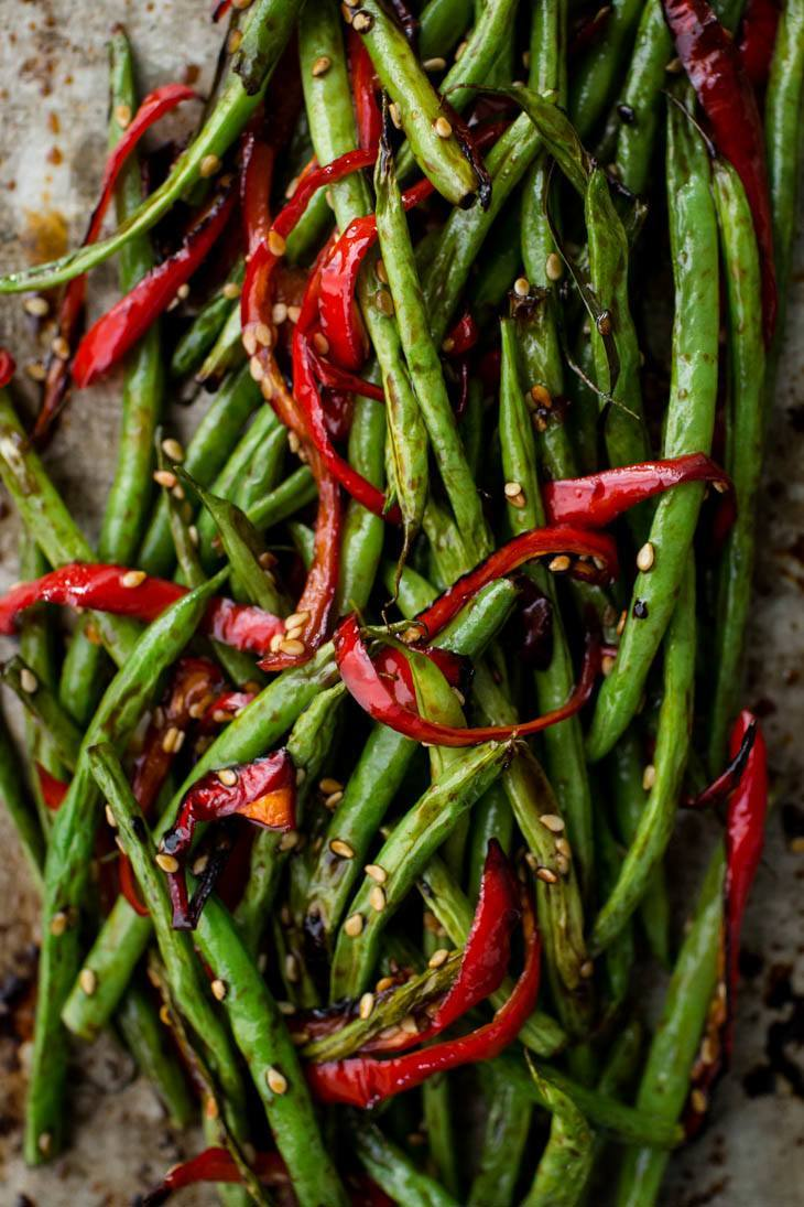 Roasted Green Beans and Red Pepper | http://naturallyella.com
