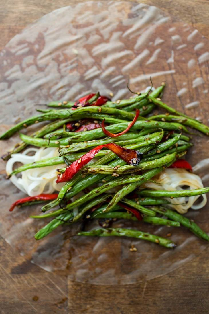 Roasted Green Bean and Red Pepper Summer Rolls | http://naturallyella.com