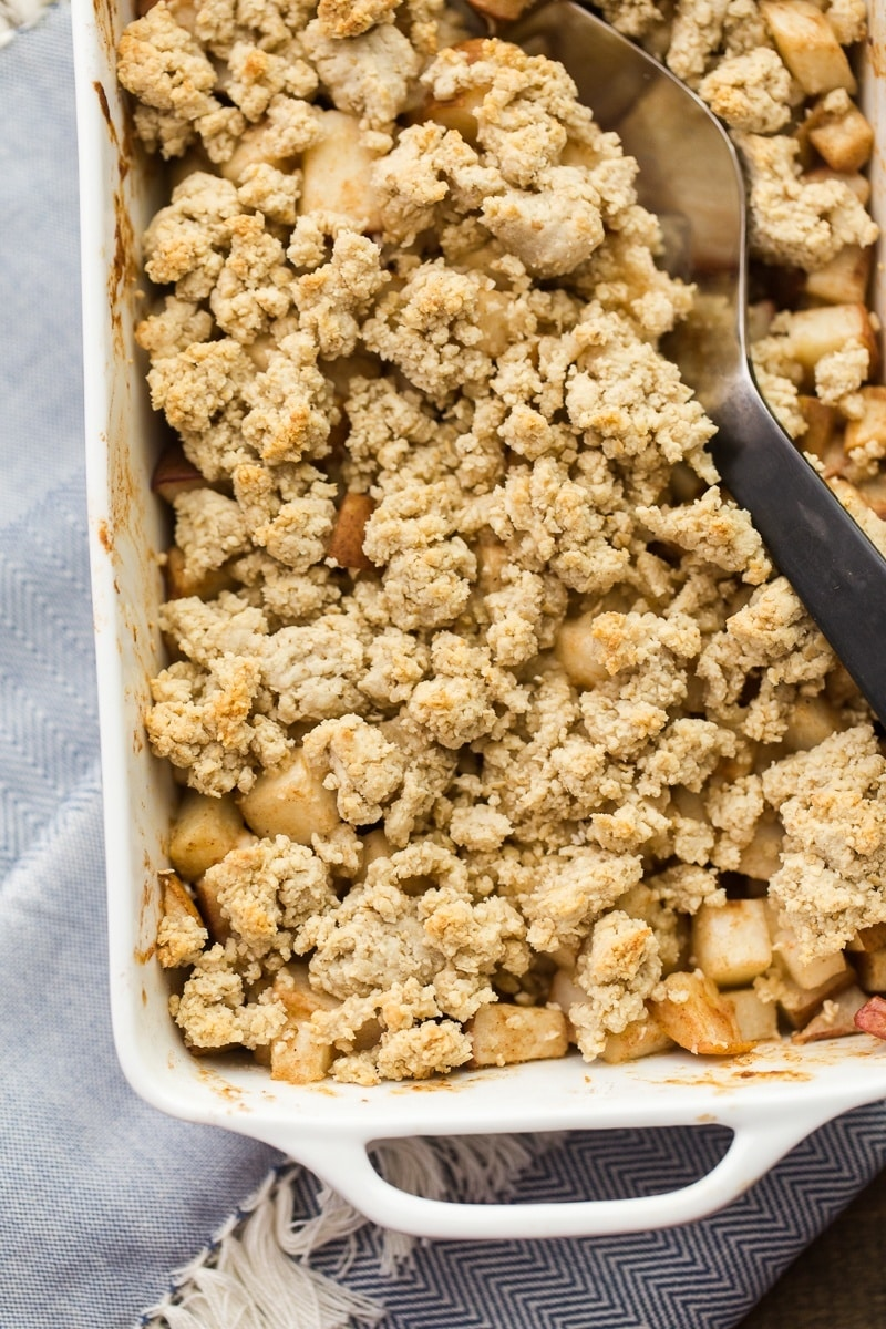 Honey Pear Crisp | http://naturallyella.com