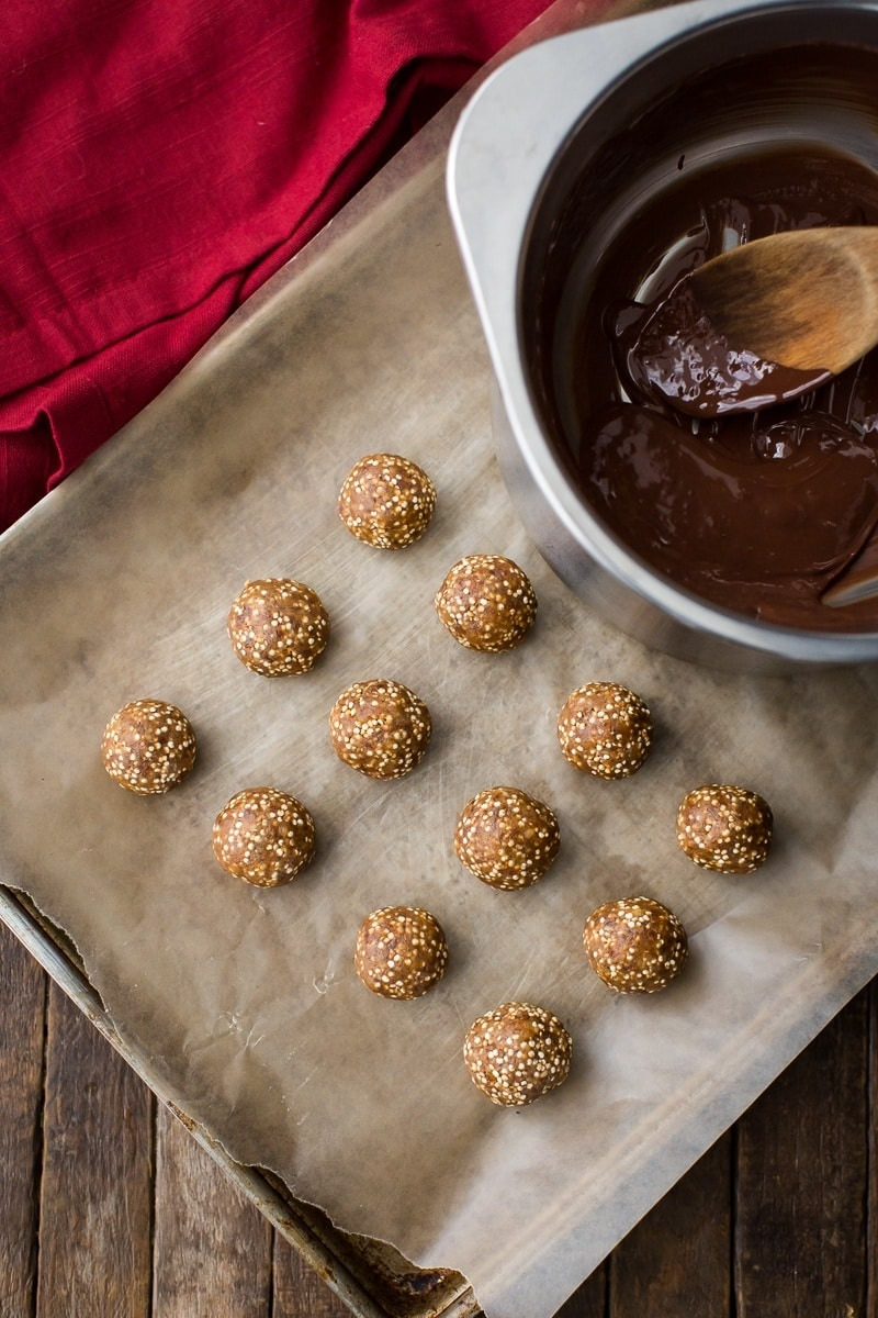 Date and Peanut Butter Buckeye Balls with Quinoa