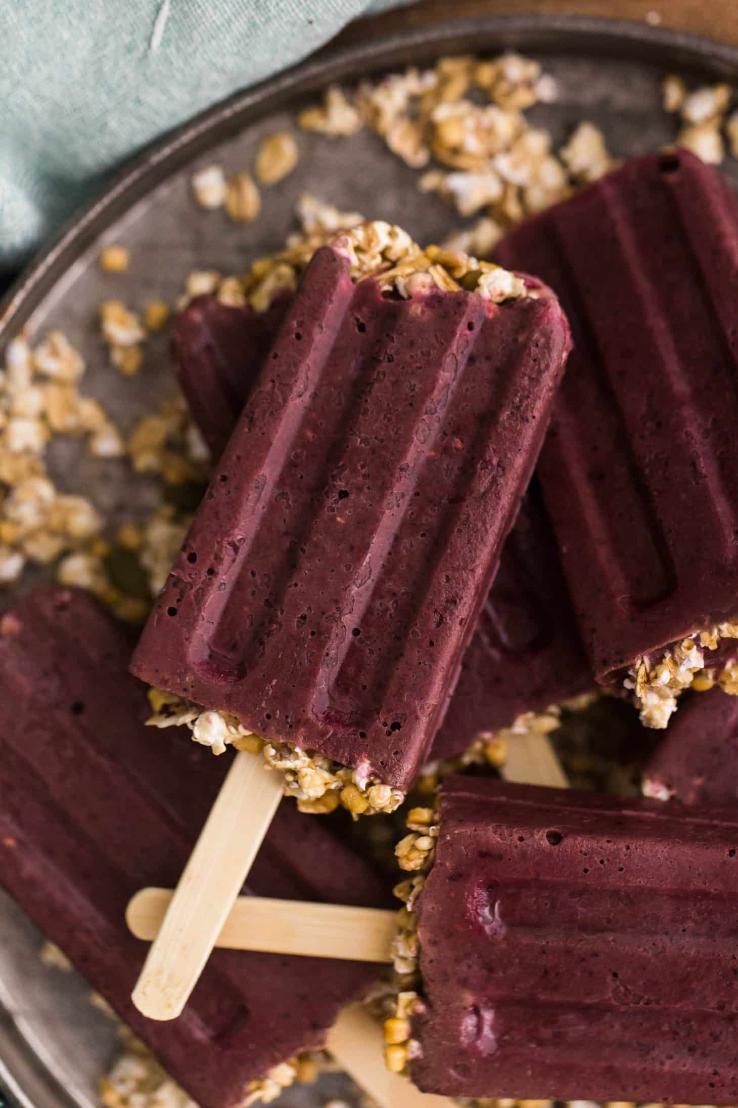Spinach Berry Popsicles | @naturallyella