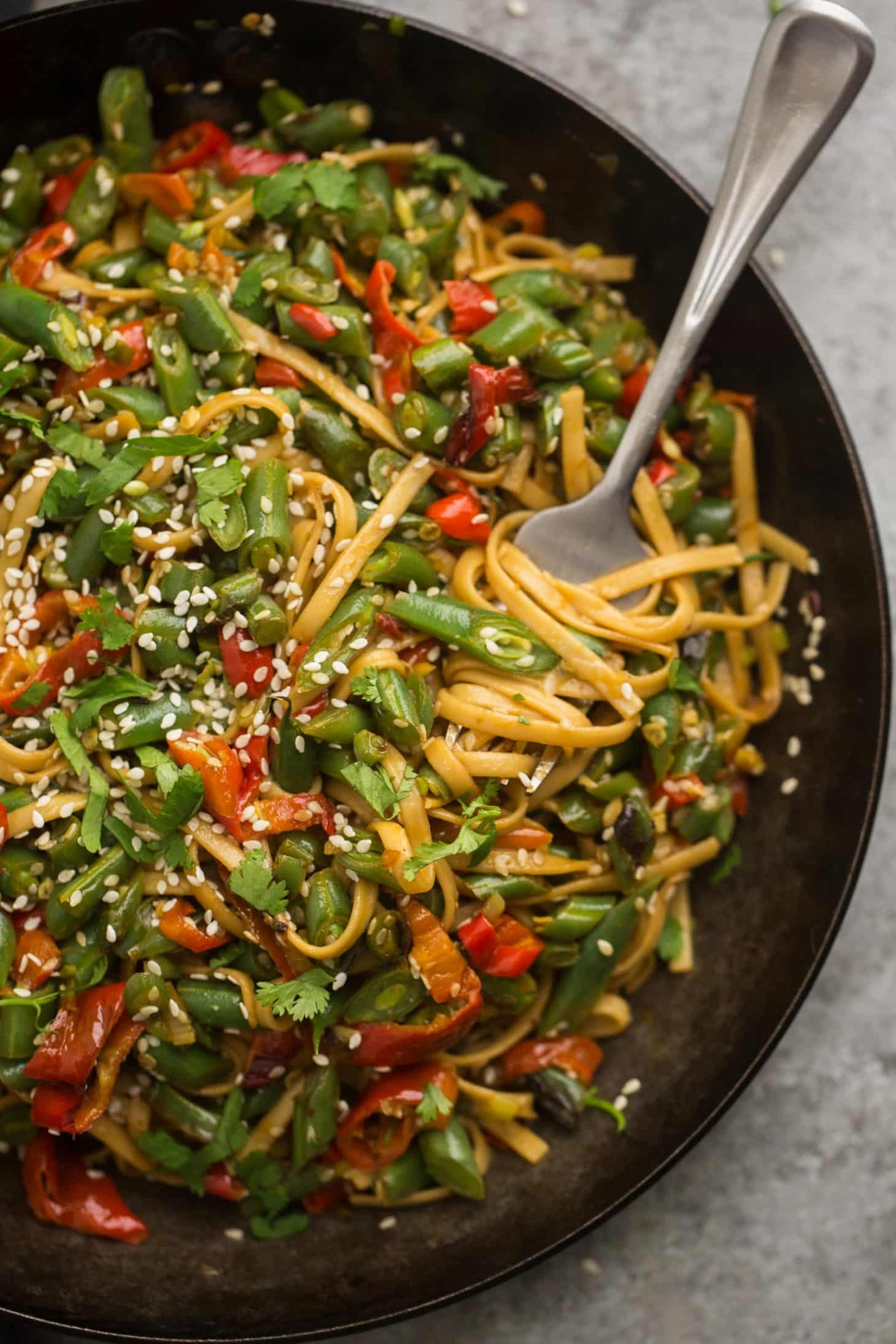 Green Bean Stir-Fry with Lo Mein Noodles | @naturallyella