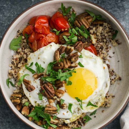 Za'atar Spiced Pecans and Quinoa Breakfast Bowl with Roasted Tomatoes | Naturally Ella