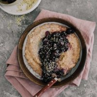 Spelt Porridge with Roasted Blueberries