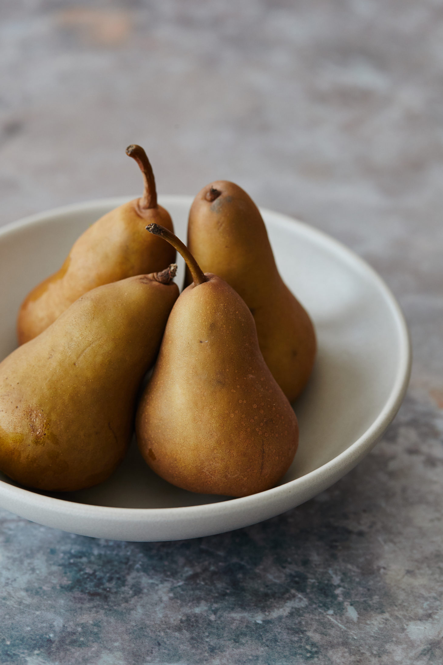 Straight-on image of bosc pears